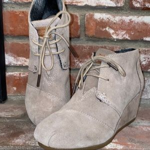Toms Desert Chukka Ankle Booties Wedge Size 7.5